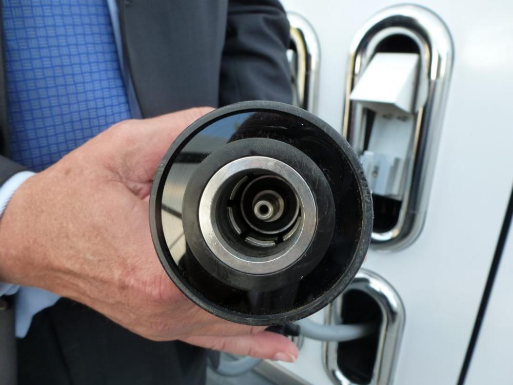 waterstof-tanken-nozzle-vulpistool-1024x768.jpg