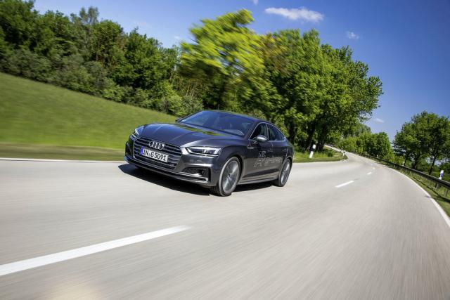 Audi-A5-G-Tron_on-the-road.jpg